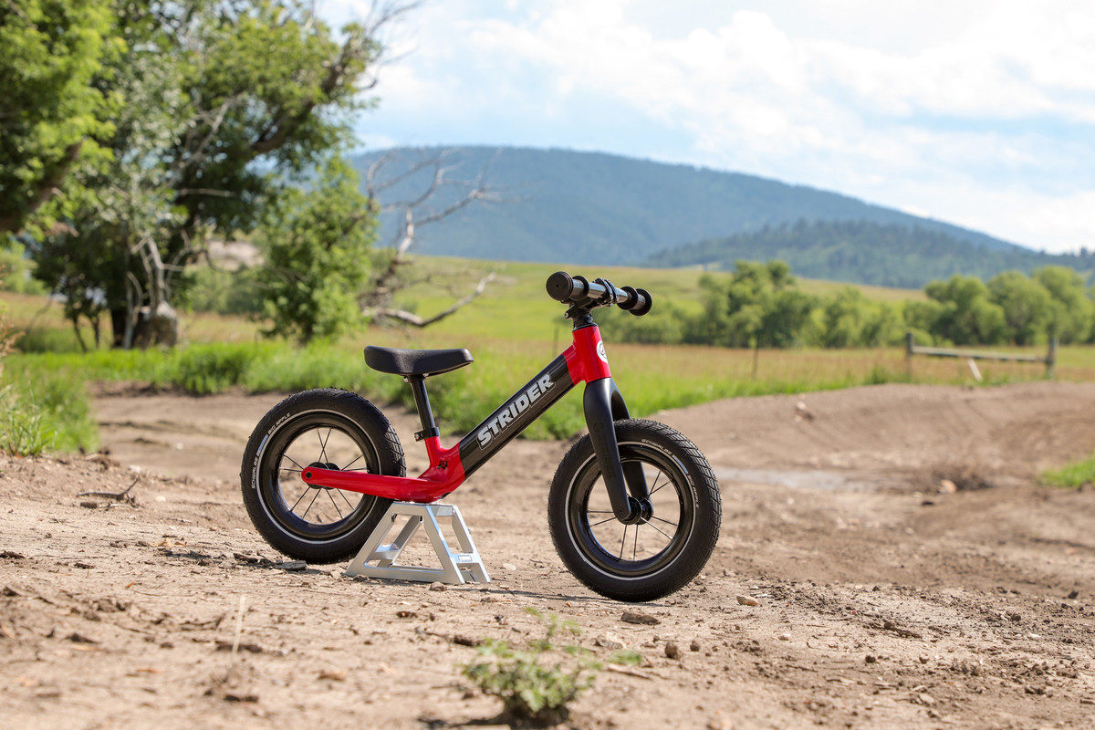 The Strider ST-R Carbon Fiber Balance Bike Holds Nothing Back