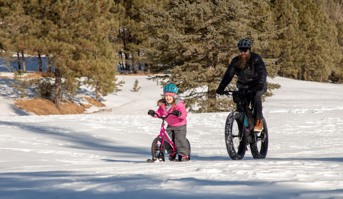 3 Ways Getting Kids Outside to Play in the Winter Benefits Parents